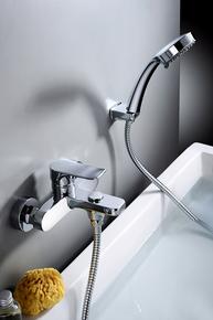 Смеситель Elghansa HEZERLEY 2365246 для ванной однорычажный с душевым комплектом, хром