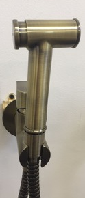 Смеситель Bennberg для биде встраиваемый с гигиеническим набором 18K0370 Bronze